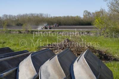 Fossé du Loup - barque - tracteur