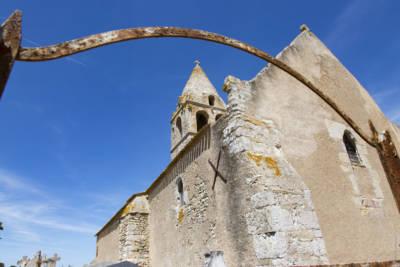 Église Saint-Martin-de-Noizé d'Oiron, une église sans village