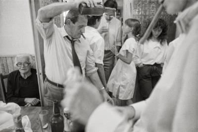 1984, Espagne, province des Asturies. Le service du cidre lors d'un mariage. mp-1984-82-13-R-I